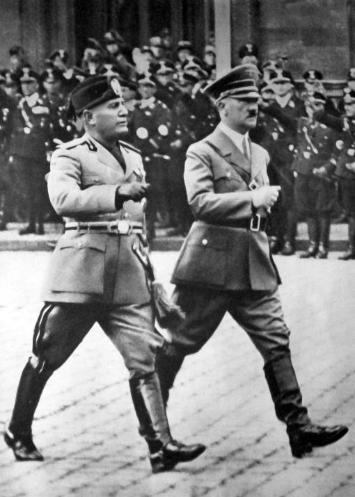 Mussolini_a_Hitler_-_Berlín_1937